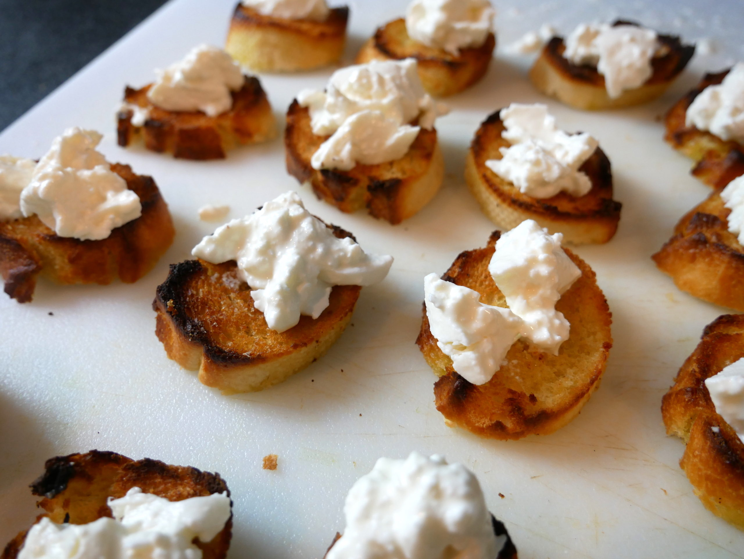 burrata crostini