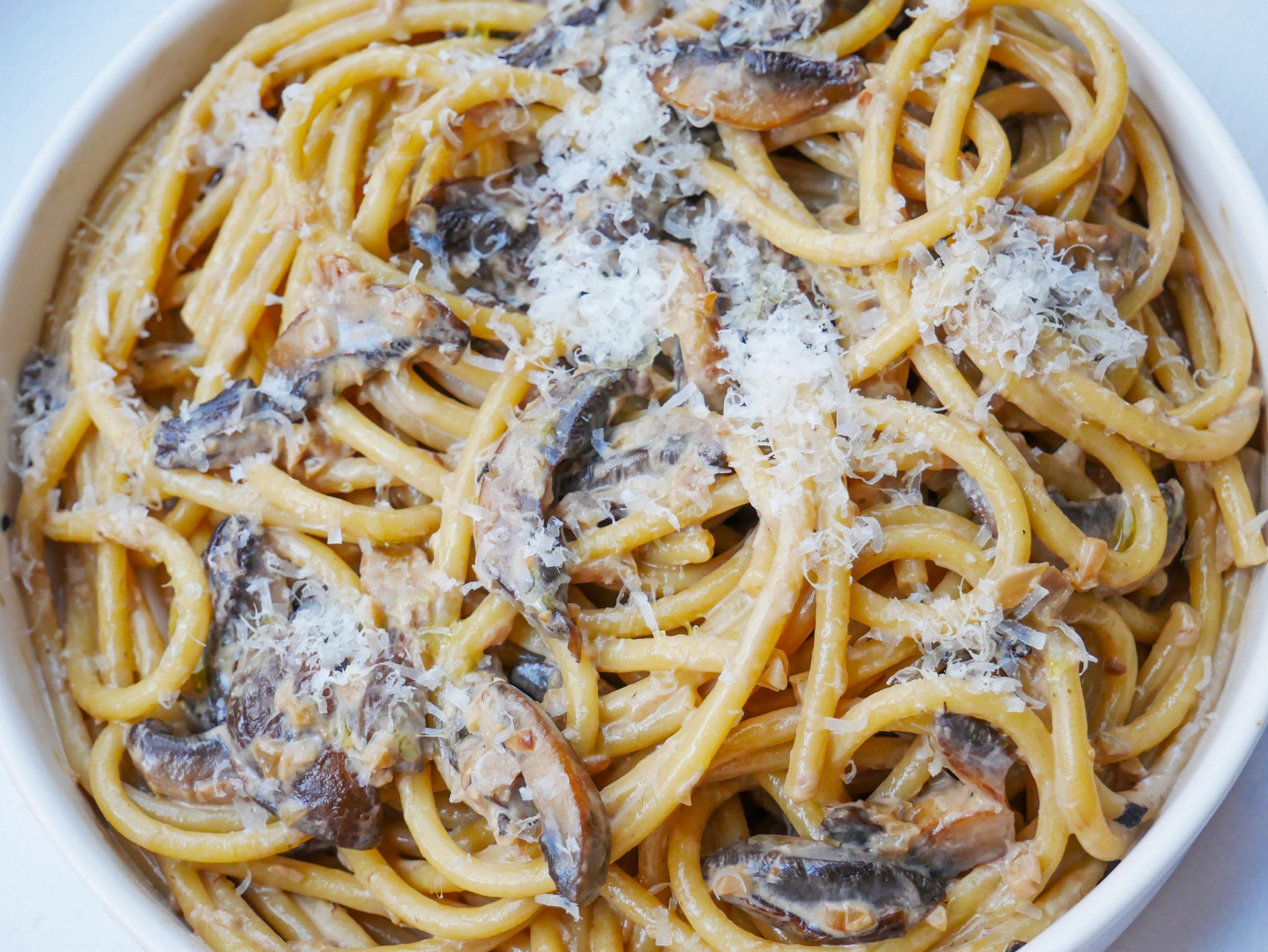 creamy mushroom bucatini