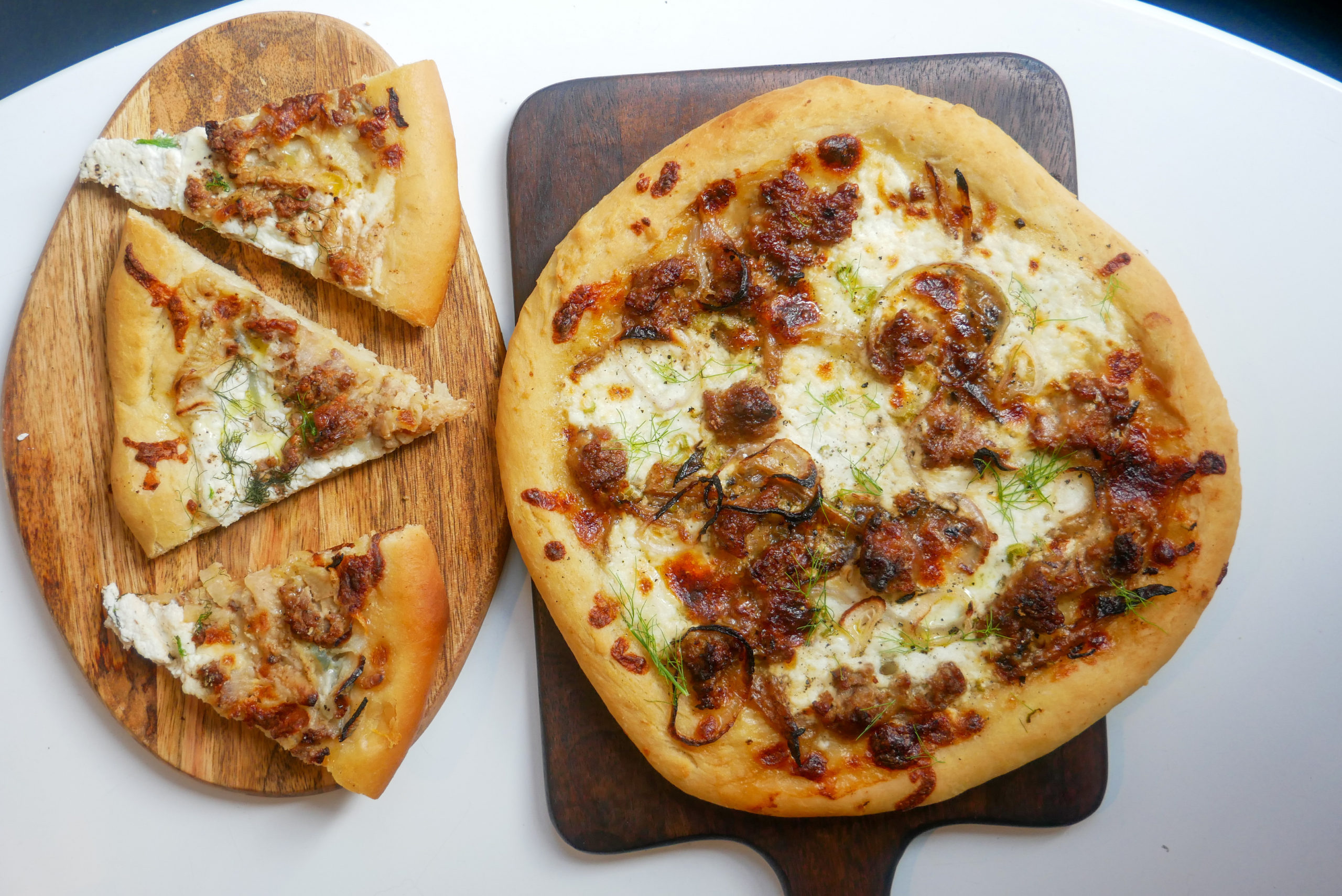 sausage fennel white pizza
