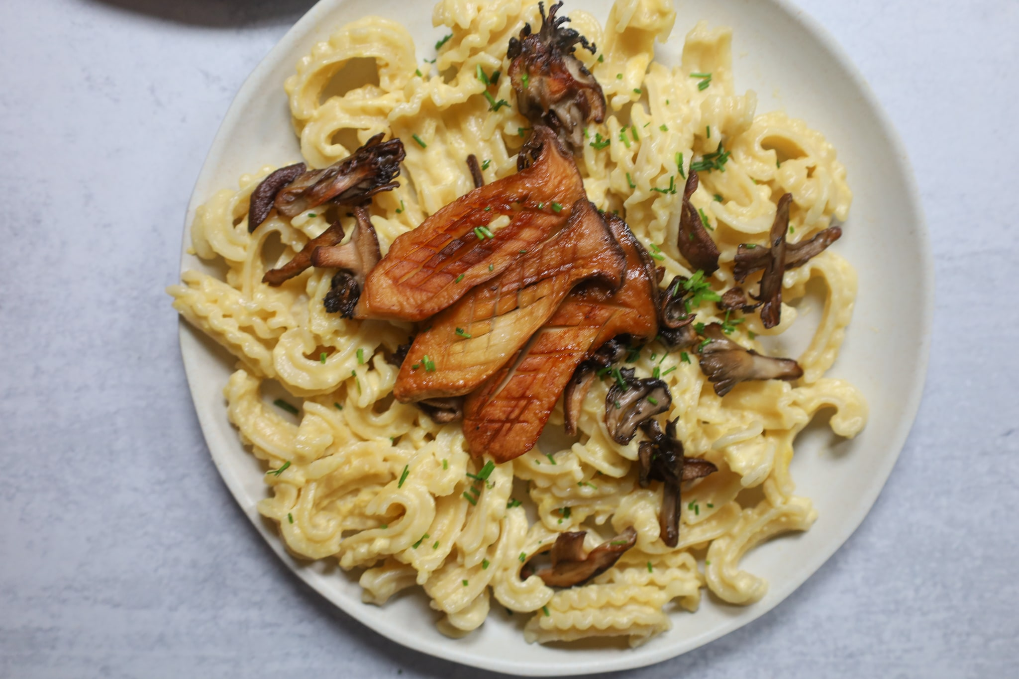 creamy corn pasta with chives and mushrooms