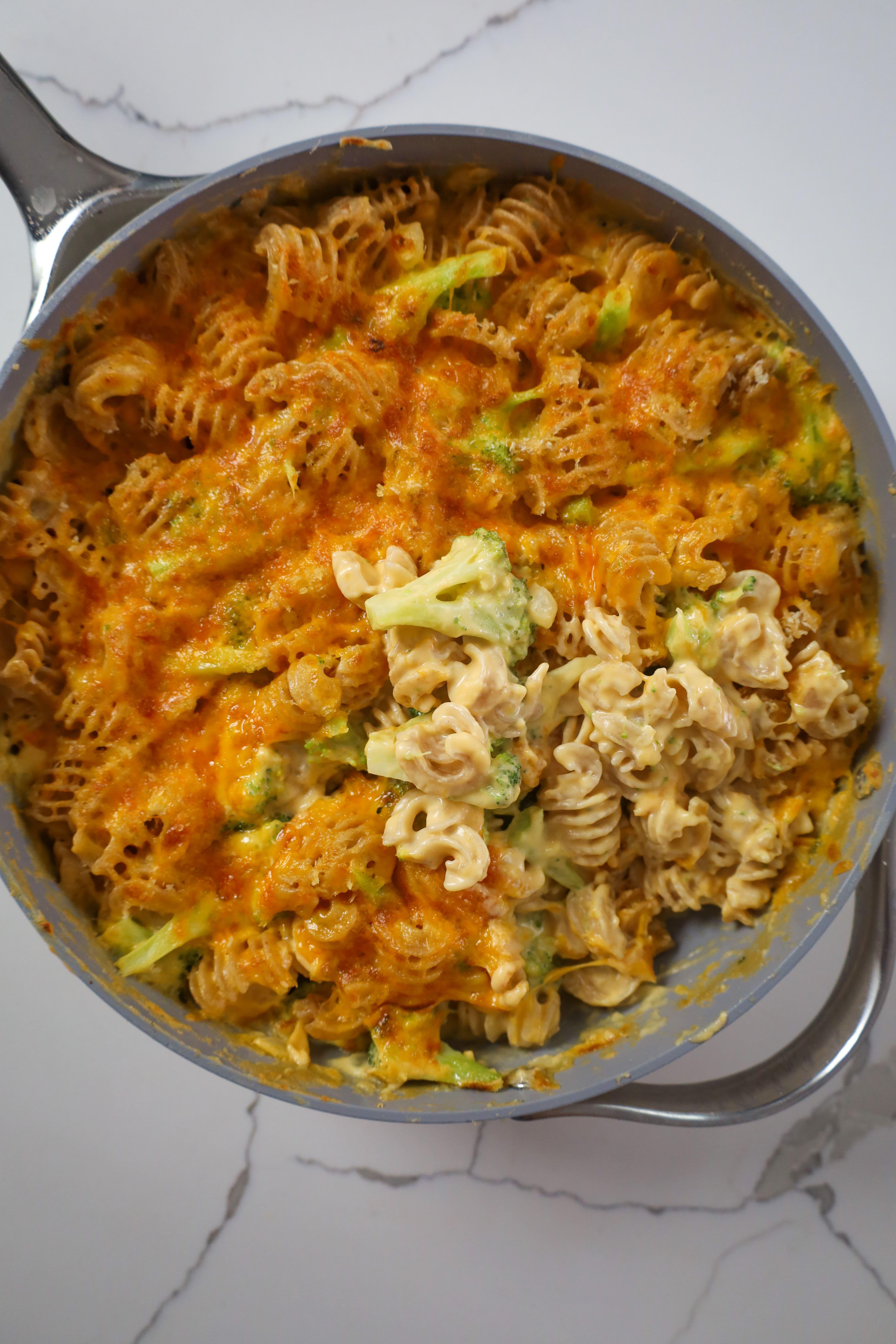 broccoli cheddar Mac n cheese